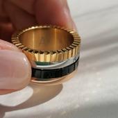 Anillo ▪️CORDURA▪️Su diseño combina los 3 colores del oro, además, tiene el detalle del aro negro con números romanos, se convierte así en un modelo muy original y lucido!! además es de la colección Acero Inoxidable Quirúrgico especial alta joyería. Hemos creado joyas de calidad con diseños originales y de pura tendencia y lo mejor... ¡No se ponen feas!  . . .   #joyas #joyasacero #trendyjewelry #instajewellery #joyasboho #anillobohochic #anillosacero #stainless #stainlesssteel #anillosplata #anillosdeacero #joyasinstagram  #zaraoutfit #jewellery #zarawoman