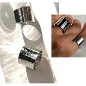 Colección ANILLOS ACERO INOXIDABLE QUIRÚRGICO especial alta joyería. Ahora tus joyitas las podrás mojar, bañarte ... ¡sin miedo a que pierdan su baño! ya que es inalterable y con una durabilidad permanente.  . . . . . .   #joyas #joyasplata #trendyjewelry #instagood #instajewellery #joyitas #collaresacero #joyasplata #anillosacero #pendientesacero #pendientesplata #stainless #stainlesssteel #collaresdorados #anillosplata #anillosdeacero #joyasinstagram #joyasacero