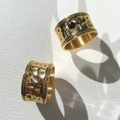 Anillo ▪️CAMILA▪️ Lo tenéis disponible con gema negra (Ónix) y gema blanca (Ojo de Gato). Colección en Acero Inoxidable Quirúrgico especial alta joyería, hemos creado joyas de calidad con diseños originales y de pura tendencia y lo mejor... ¡No se ponen feas!  . . .   #joyas #joyasacero #trendyjewelry #instajewellery #joyasboho #anillobohochic #anillosacero #stainless #stainlesssteel #anillosplata #anillosdeacero #joyasinstagram  #zaraoutfit #jewellery #zarawoman