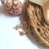 Palm beach 🌴 Palmeras brillantes para ti 🥰 . #SoyAlmaBohemia #pendientes #beach #pendientesdemar #aretesdeverano #piercings #earcuffs #pendientesdeverano #summer #verano #playa #beach #joya #jewels #jewelry #joyas #friday #fridaynight #moda #designer #spain #madrid #diseñosdejoyas #palmbeach